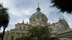 Catedral de la Almudena: Exterior is neo-classical; interior is neo-gothic.