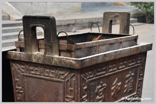Urn - Lama Temple
