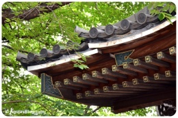 Zenpukuji Temple - roof detail 1