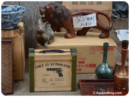 Hanazono Shrine Market - random objects