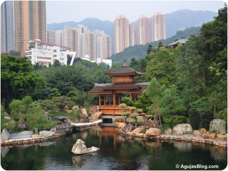 Nan Lian Garden Pavilion Bridge