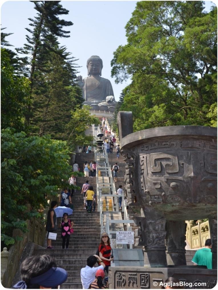 Tian Tan Buddha 1