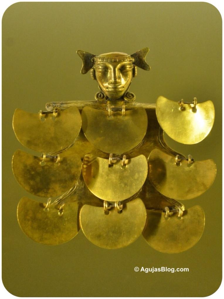Museo de Oro - Gold Ceremonial Ornaments
