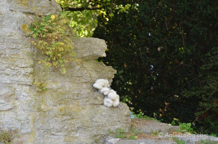 Botanical Gardens - Undyed Wool 2