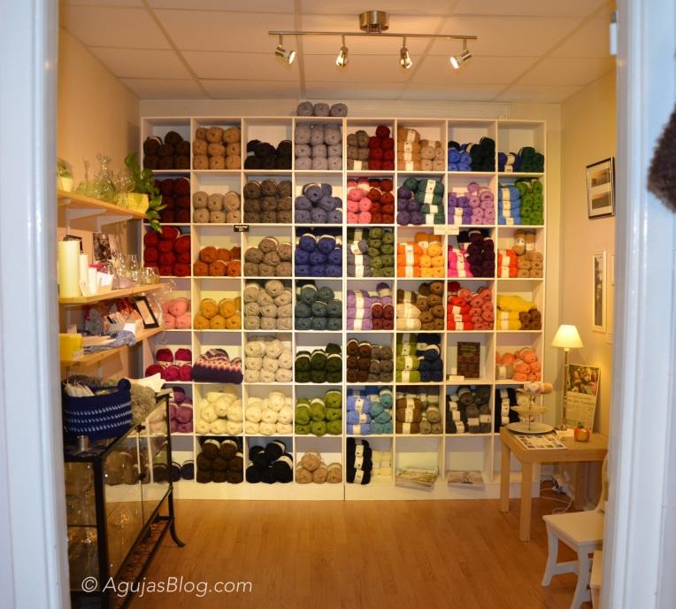 Design & Hantverk Gotland - Yarn Display 1