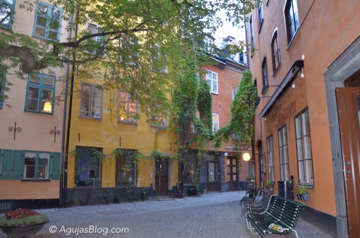 A beautiful courtyard in Gamla Stan. I can imagine living in one of the apartments.
